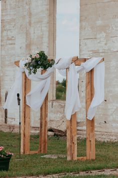 Check out how this real life couple held their ceremony at the ruins of an old train roundhouse in Big Valley, Alberta, Canada. Shoot Off, Dj Photos, Bouquet Toss, Round House, Alberta Canada, Bride Hairstyles, Davids Bridal, Newlyweds, Photo Booth