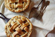 skillet apple pie, by ashley maureen