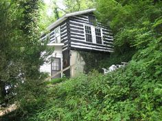 VRBO.com #312249ha - Secluded Rustic Log Cabin on the Kentucky River