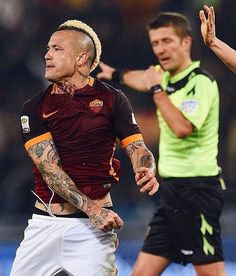 """425 Likes, 9 Comments - Roma_world_ (@roma_world_) on Instagram: """"#نينجولان قريب من #تشيلسي ب٤٠ مليون! #Nainggolan is close to #chelsea with 40 million euros!"""""""