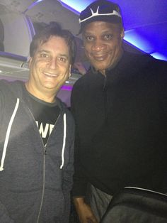 "Look who I met on our flight to today's winner location - it's baseball legend Darryl Strawberry!    Would you want to take a picture with me if I came to YOUR door? ""LIKE"" this!"