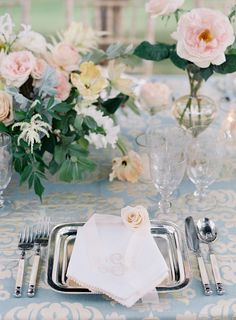 La Tavola Fine Linen Rental: Marrakesh Opal | Photography: Jose Villa Photography, Event Planning & Design: Easton Events, Floral Design: Southern Blooms