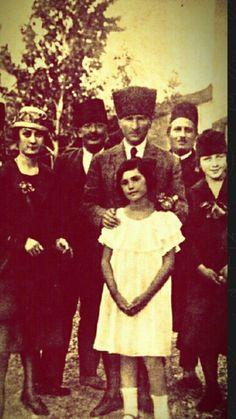 Mustafa Kemal Atatürk, ca. 1925. Early-Republican urban fashion.