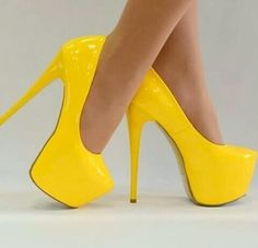 Image about style in shoes by Fitri Puspita Sari Hot High Heels, High Heel Pumps, Womens High Heels, Giaro Heels, Stiletto Heels, Stilettos, High Platform Shoes, Yellow Heels, Cute Shoes