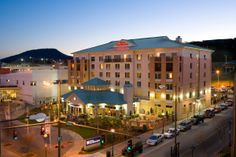 Hilton Garden Inn Chattanooga / Downtown at dusk