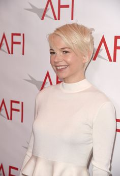 Michelle Williams Photos Photos - Actress Michelle Williams attends the 17th annual AFI Awards at Four Seasons Los Angeles at Beverly Hills on January 6, 2017 in Los Angeles, California. - 17th Annual AFI Awards - Red Carpet