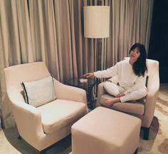 Behind Song Hye-Kyo's hotel room! Joo Won, Kim Ji Won, Song Hye Kyo, Song Joong Ki, Korean Actresses, Korean Actors, Yong Pal, Songsong Couple, Lee Bo Young