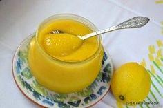 Crema de lamaie Lemon Curd. Reteta de crema de lamaie cu unt si oua - acrisoara, aromata, fina, usoara, exceptionala! De multa vreme imi trage cu ochiul