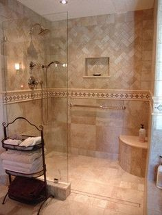 Traditional Curbless Shower Bathroom Design Ideas, Pictures, Remodel and Decor