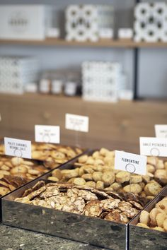View our work for artisanal bakery Maison Dandoy. A generous brand universe ranging from brand identity to tone of voice and website, and a unique store design. Cheesecake, Family Brand, Family Business, Store Design, Bakery, Artisan, Yummy Food, Breakfast, Desserts