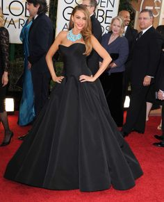 Golden Globes 2014: les robes qu'il ne fallait pas manquer  http://www.femina.ch/people/news-people/golden-globes-2014-les-robes-quil-ne-fallait-pas-manquer