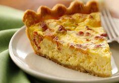 Que tal preparar uma das mais tradicionais e saborosas receitas da culinária francesa? Uma deliciosa quiche de bacon e queijo!