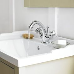 Enhance your traditional bathroom with the Old London Edwardian mono basin tap