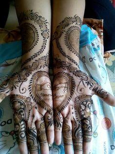 Unique Henna, Unique Mehndi Designs, Beautiful Mehndi Design, Dulhan Mehndi Designs, Latest Mehndi Designs, Henna Designs, Mehendi, Engagement Mehndi Designs, Mehndi Images