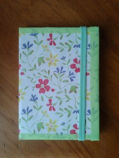 Decora una libreta con papel adhesivo y washi tape - Decorate a notebook with adhesive paper and washi tape