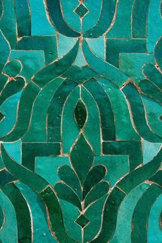 Dark Spring and Turquoise green for this Moroccan Zellige tiles mosaic. Tuile Turquoise, Turquoise Tile, Green Turquoise, Blue Green, Turquoise Fashion, Turquoise Pattern, Green And Gold, Emerald Green Decor, Turquoise Bathroom