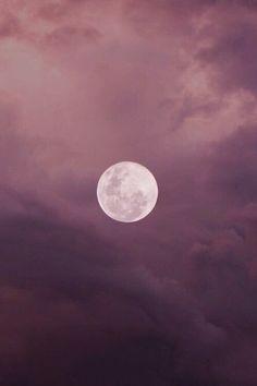 Mauve Sunset w/ pink and purple Fotos Wallpaper, Pink Moon Wallpaper, Ciel Nocturne, Prune, Beautiful Moon, Purple Aesthetic, Stars And Moon, Sky Moon, Moon Art