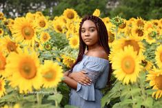 Senior Pictures in the sunflowers #claytonnc #heidiwoodphotography
