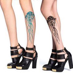 Preciosas y originales medias nude con efecto tatuaje. Diseño de medusa en negro o azul. ¡Sólo 9,95€!