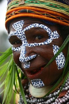 Papua New Guinea - Lafforgue    Papua New Guinea , Mount Hagen festival