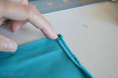 30 Minute Draw String Bag Tutorial - The Happy Scraps Drawstring Backpack Tutorial, Drawstring Bag Tutorials, Backpack Pattern, Victorian Corset, Back Bag, Corset Pattern, Operation Christmas Child, Origami Animals, Geek Crafts
