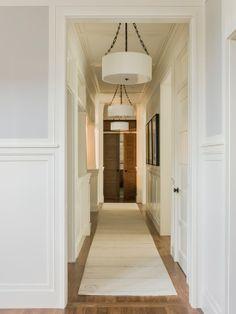 Home Decor Contemporary Hall. エントランスのインテリアコーディネイト実例