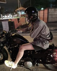 "KUNATIP PINPRADAB on Instagram: ""😤 #hd48 #harleydavidson"""