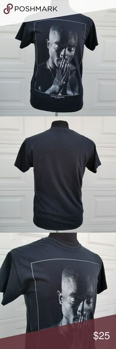 2-Pac Tupak 1971-1996 Black & White T-shirt - Med You're purchasing a 2-Pac Tupac Shakur 1971-1996 Black and White Self Portrait T-Shirt in size M Medium. Pre-owned in good condition. 100% Cotton Measurements: See measurements in pics for best fit. Perfect gift for that Rap, Hip Hop, 90s West Coast music fan. Shirts Tees - Short Sleeve