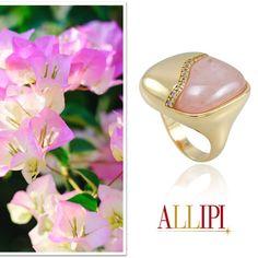 Lindo anel de pedra quartzo rosa com detalhe em zircônia.  Um luxo!!!