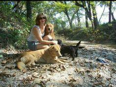 Meus primeiros amigos em Mc kinney, Texas. Os cães da família me aceitaram de boa desde o primeiro dia. Cães, amigos incríveis!