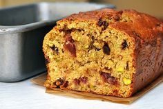 Avocado Cherry Loaf Cake (avocado flavour is present; also works with hazelnuts instead of pistachios) Cherry Loaf Cake, Blueberry Loaf Cakes, Healthy Treats, Healthy Recipes, Healthy Foods, Delicious Recipes, Yummy Food, Patisserie Cake, Vegan Dessert Recipes