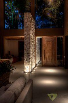 Casa de Campo Quinta do Lago - Tarauata: Corredores e halls de entrada por Olaa Arquitetos Dream House Interior, Luxury Homes Dream Houses, Dream Home Design, Modern House Design, Home Interior Design, Design Exterior, Door Design, Future House, House Entrance