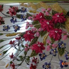 İğne Oyası Tepsi Modelleri 11 Cross Stitch Flowers, Table Decorations, Plants, Model, Home Decor, Decoration Home, Room Decor, Scale Model