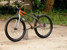 Dirt Jumper Bikes lose the forks and add some fox,or hardtail) Dirt Bicycle, 24 Bike, Scooter Bike, Cruiser Bicycle, Push Bikes, Bmx Bikes, Cycling Bikes, Cool Bikes, Hardtail Mountain Bike