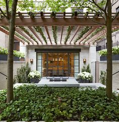 Courtyard and Rooftop Garden, New York   Edmund Hollander Landscape Architects, click for more images