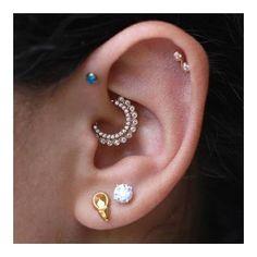 It's a party (shop link in profile)  #mariatash #venusbymariatash #diamondjewelry #goldjewelry #daithpiercing #daithring 📷:@tobiasxva