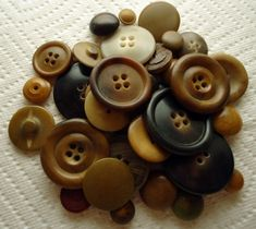 interesting guide on types of vintage buttons and suggestions on how to identify/clean them