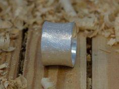 Bandring (10mm Breite) aus 925 Sterling Silber von Schmuck-Batih auf DaWanda.com