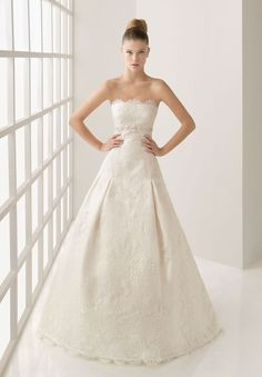 Lace Strapless A-line Elegant Wedding Dress