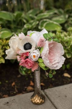 38 - alternative wedding bouquets - crepe paper bouquets by pinkandposey - gallery 1