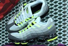 Nike Vapormax 95 Comet AJ7292 101 Release Info |