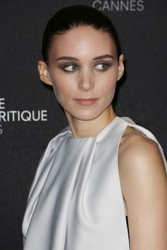 At the photo call for Ain't Them Bodies Saints, Rooney Mara chose a sleek up-do paired with grey smoky eyes.