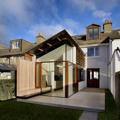 Gallery: Nominations for Irish Architecture Awards revealed Extension Veranda, House Extension Design, Glass Extension, Rear Extension, House Design, Extension Ideas, Architecture Résidentielle, Contemporary Architecture, Contemporary Design