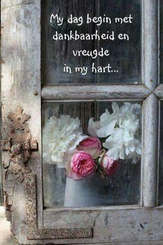 Dag begin met vreugde en dankbaarheid Corrie Ten Boom, Inspirational Qoutes, Motivational, Goeie Nag, Goeie More, Afrikaans Quotes, Proverbs Quotes, Faith Prayer, Scripture Art