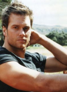 Holy eff. If I ever met Mr. Brady and he looked at me like this, I'd likely do *anything* he asked of me.