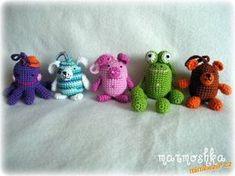 Předně musím říct, že nápad není můj - viděla jsem háčkované žabky u paní Hanky S. (nikitah) ID 3070... Yoshi, Crochet Projects, Knit Crochet, Baby Shoes, Handmade Gifts, Knitting, Toys, How To Make, Crafts