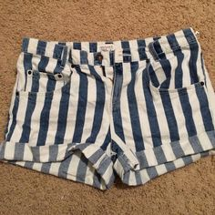 Blue and White Stripped shorts Blue and white striped shirts from forever 21. Love the look but they didn't fit right. Never worn out of the house! Forever 21 Jeans