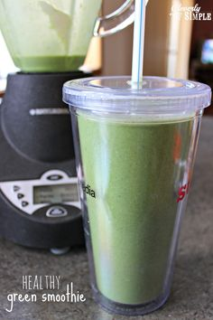 Healthy Green Smoothie Recipe made with banana and spinach! You wont believe it has 20 grams of protein! Healthy Green Smoothie Recipe made with banana and spinach! You wont believe… Healthy Green Smoothies, Apple Smoothies, Green Smoothie Recipes, Juice Smoothie, Breakfast Smoothies, Smoothie Drinks, Yummy Drinks, Healthy Drinks, Healthy Recipes