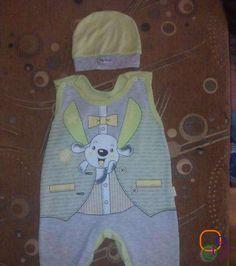 продам костюм на мальчика,на 3-7 месяцев,