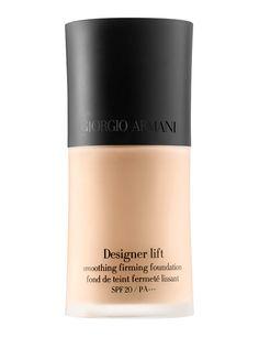 'Designer Lift', base de maquillaje con nácar azul para potenciar la luminosidad. Su tecnología elástica proporciona un efecto tensor instantáneo. De Armani.